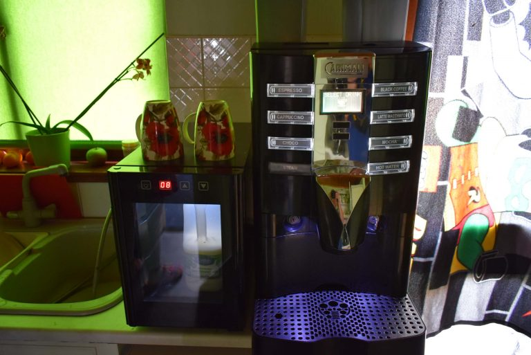 Commercial bean to cup coffee machine CARIMALI ARMONIA SELF LM & Milk Fridge