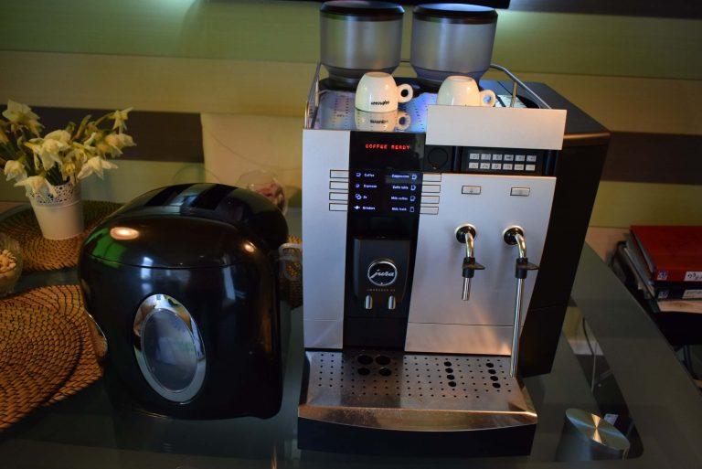 Jura Impressa X9 Coffee & Espresso Combo – ONE TOUCH – Milk Fridge