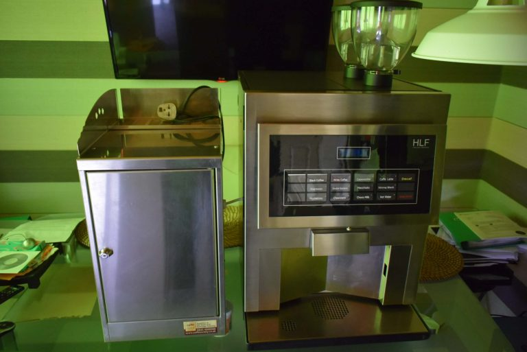 Commercial bean to cup coffee machine HLF 4600 with fridge
